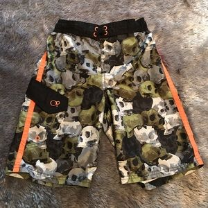 Youth skull print swim trunks